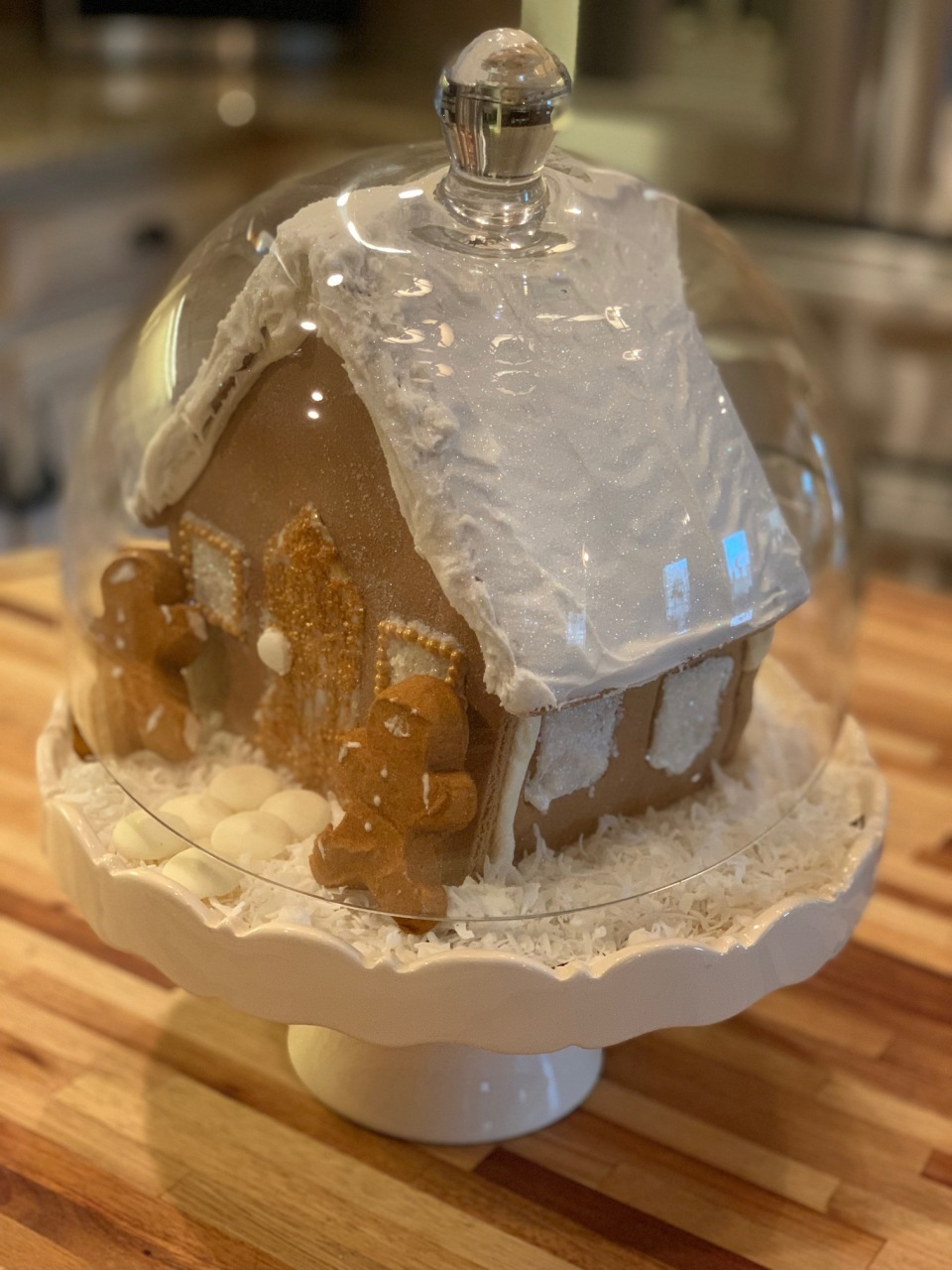 AI-GingerbreadHouse2